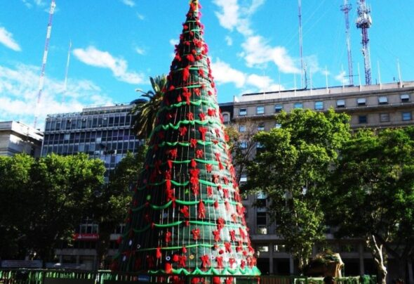 The second Christmas tree in Plaza de Mayo