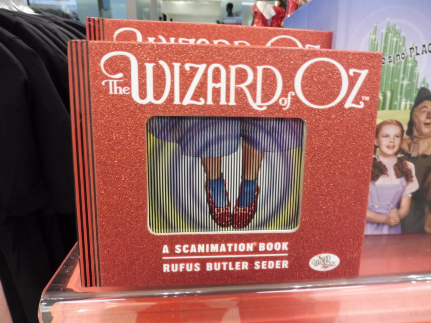 USA - The Wizard of Oz - A Scanimation Book